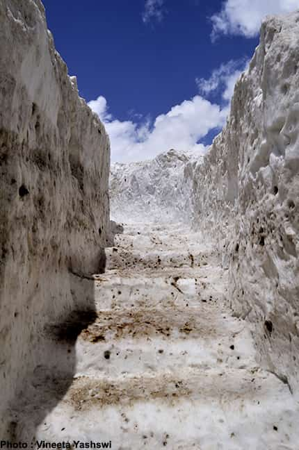 heavy snowfall in kedarnath trek2