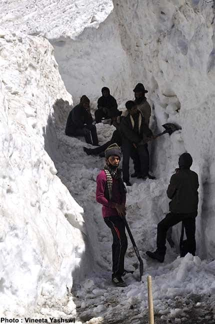 heavy snowfall in kedarnath trek3