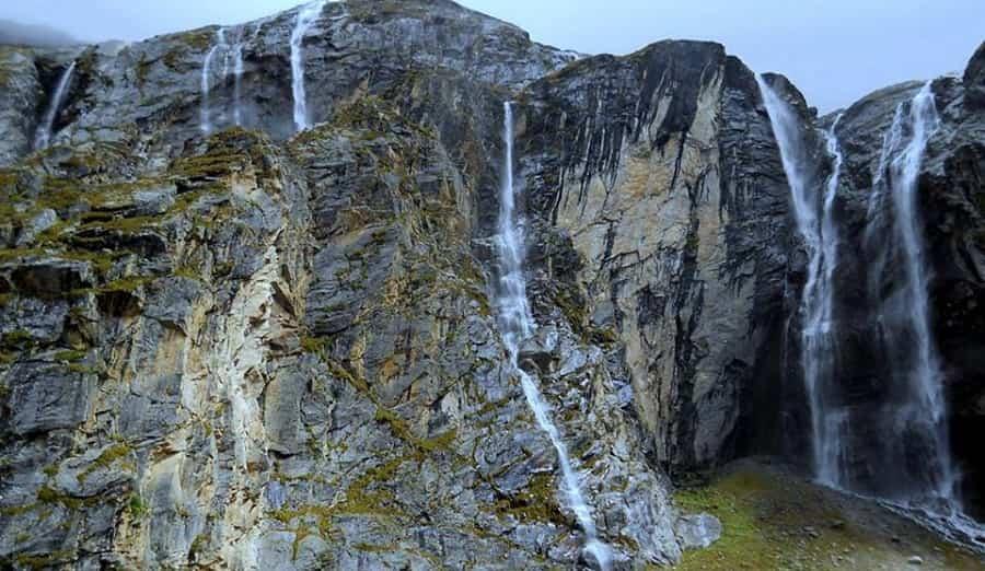Vasudhara Waterfalls